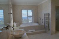 Master Bedroom Bathroom (1).JPG