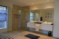 Bedroom 3 en-suite bathroom.JPG