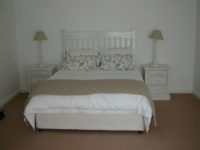 7.Upstairs main bedroom(2).jpg