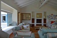 Spacious open plan living area (2).JPG